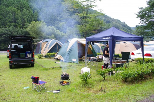 家族キャンプ:三ツ星キャンプ場